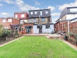 Photo Rochester Gardens, Ilford IG1, 5 bedroom...